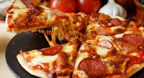Viral Pizza 1 Meter Cukup Buat 1 Rt