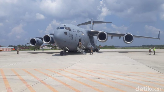 Pesawat C-17 Globemaster III, Milik Amerika Serikat (AS) Mendarat Di Pekanbaru