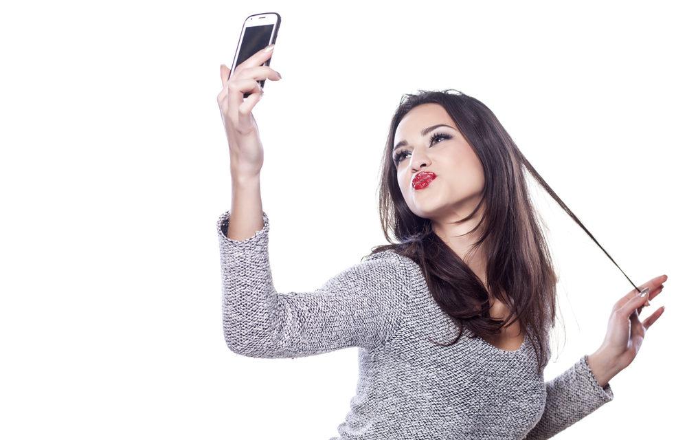 Asyiknya Foto Selfie Yang Bikin Celaka